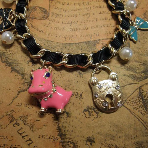 Pearls and Hippo Charm Bracelet - Click Image to Close